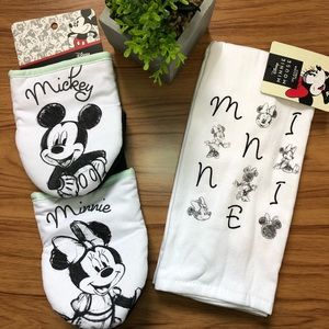 FINAL PRICE - Mickey and Minnie Mouse Tea Towel & Oven Mitt Set